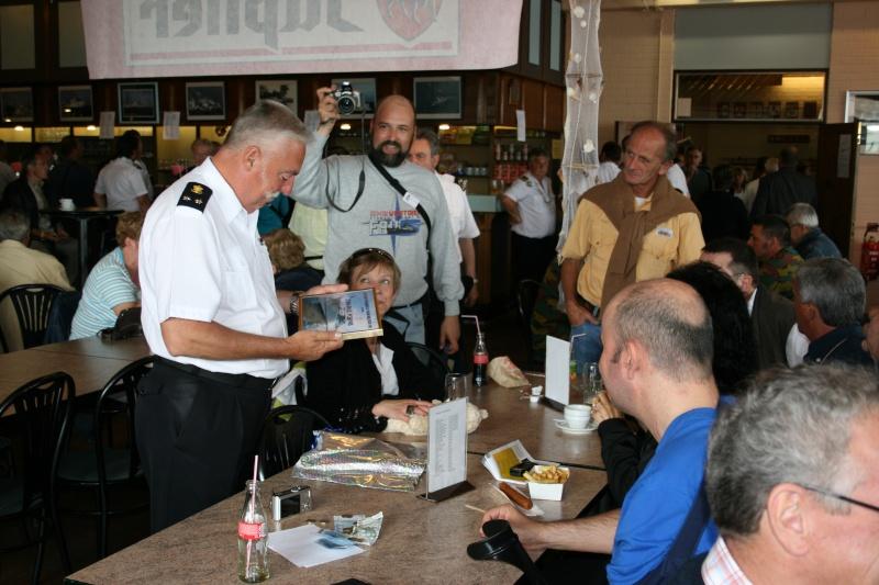 L'Amiral Robijns part à la retraite le 30.06.2011 - Page 3 Zeebru15
