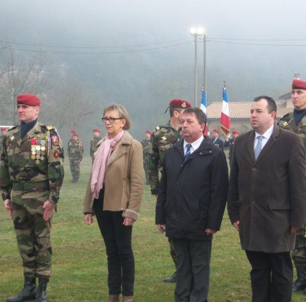 Le Colonel Chashboeuf, chef de corps du 8e RPIMa... 2011_116