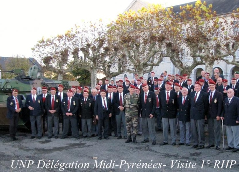 L'Union nationale des parachutistes de Midi-Pyrénées visite les deux régiments tarbais 2011_123