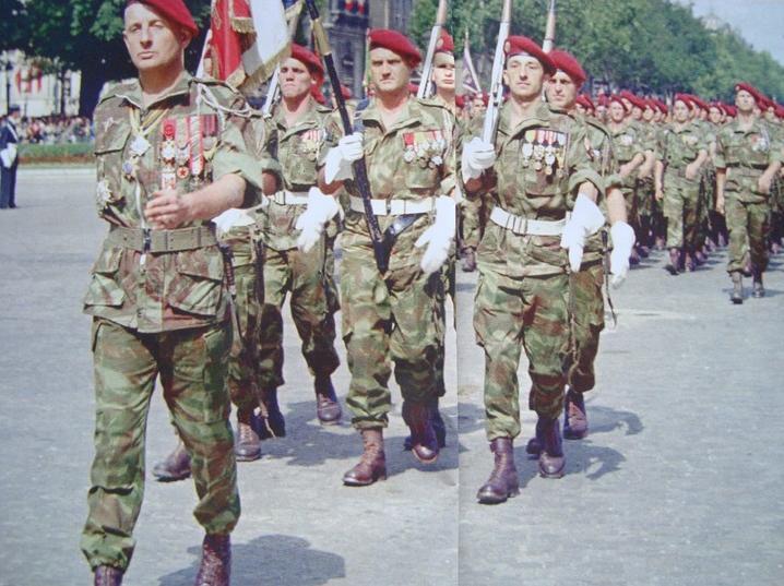 je commence ici ,l'histoire du 3ème RPC avec à la tête en 1955,le Lieut/Colonel BIGEARD 2011_132