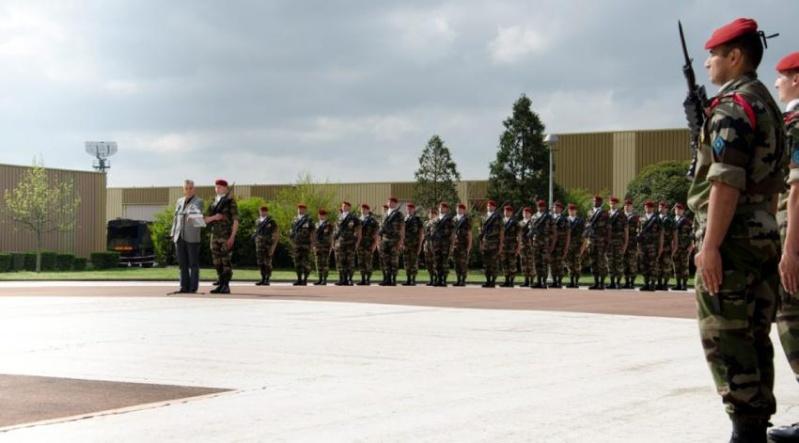 le 1er régiment du train parachutiste (RTP) a accueilli 19 nouveaux engagés au sein de la base militaire de Francazal 2012_089