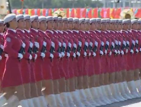 Les femmes chinoises défilent...impécable!!! 2012_121