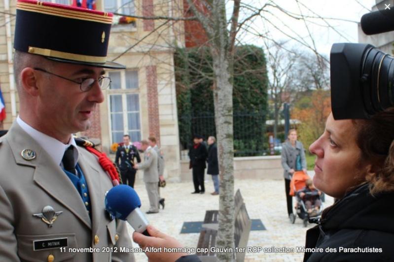 MITNIK capitaine 1er RCP 11 novembre 2012 Maisons-Alfort représente le colonel de Loustal cdc du 1er RCP 2012_142