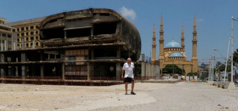 Beyrouth Le DRAKKAR PC du 1er RCP - 23 octobre 1983 dramatique souvenir...58 parachutistes des 1er et 9ème RCP sont tués sous les décombres de l'immeuble. P7140110