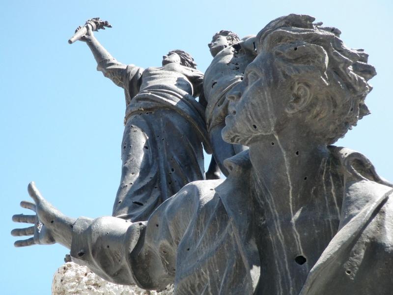 Beyrouth Le DRAKKAR PC du 1er RCP - 23 octobre 1983 dramatique souvenir...58 parachutistes des 1er et 9ème RCP sont tués sous les décombres de l'immeuble. P7140411