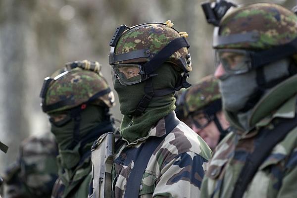 force spéciale française 06-10t11