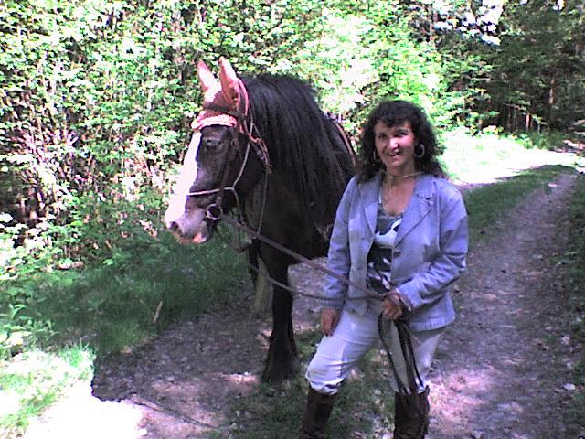 Roxane en rando chez les cow-boys (nouvelles photos !!!) Rando_30