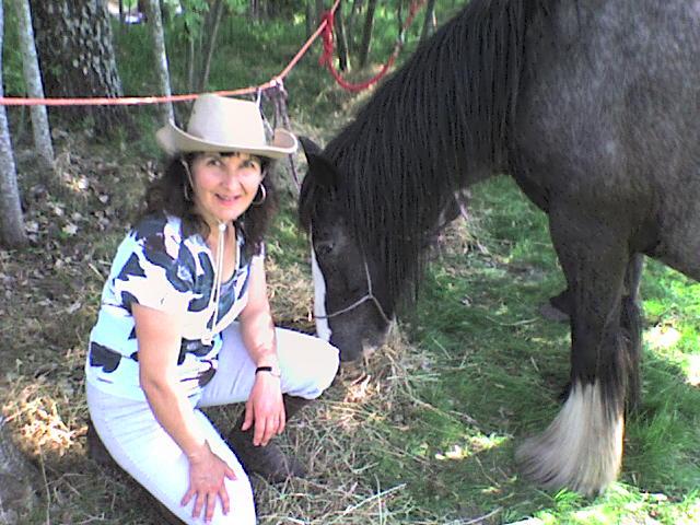 Roxane en rando chez les cow-boys (nouvelles photos !!!) Rando_38
