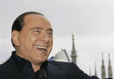 Comme Silvio, chassons la merde hors d'Europe ! Berlus10
