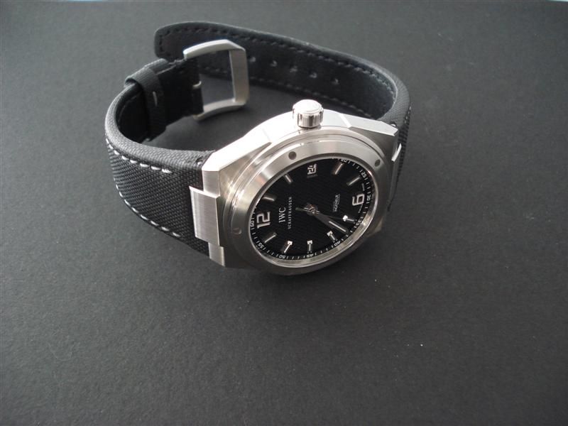 Avoir plusieurs montres de la même marque ? Dsc01128