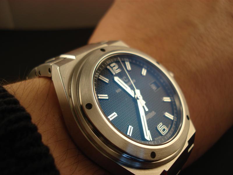 Avoir plusieurs montres de la même marque ? Dsc01129
