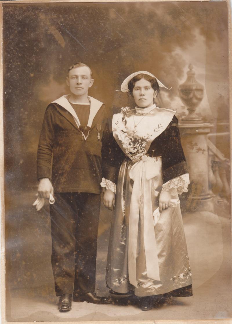Lorientaise et marin Img_0065