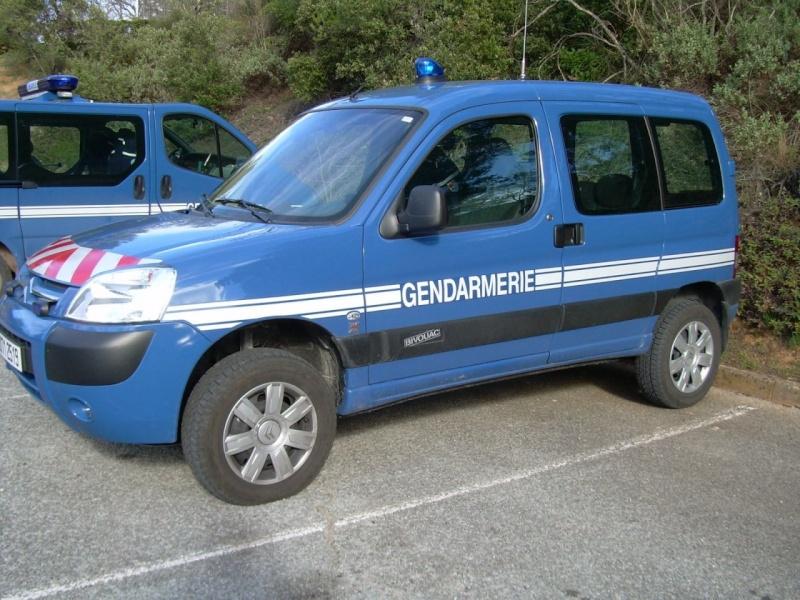 [Photos] Les citroen de la police E2347010