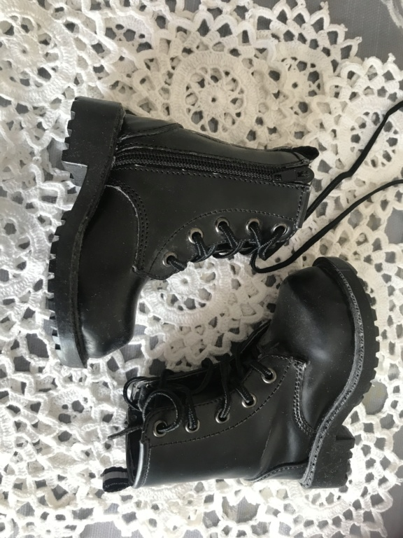 [!!!!SOLDES!!!!]Chaussures et vêtements toutes tailles C20eef10