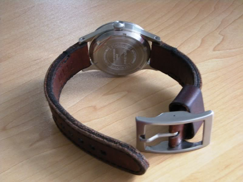 CHI : Bracelet Cuir Vintage 22 mm pour plongeuse Dscn3010