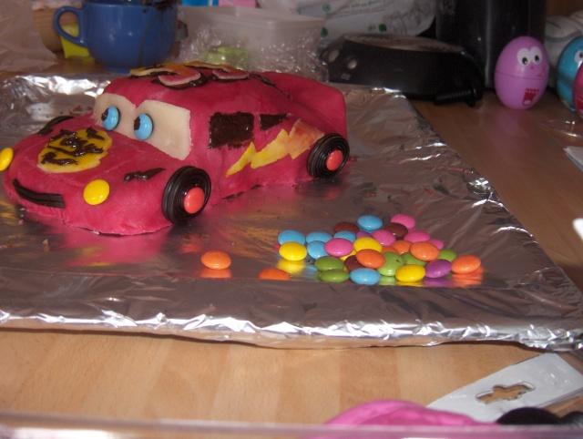 Cars quatre roues : Flash McQueen et ses amis - Page 2 Hpim2527