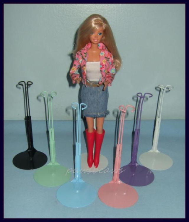 Mes barbies de collection Socles10