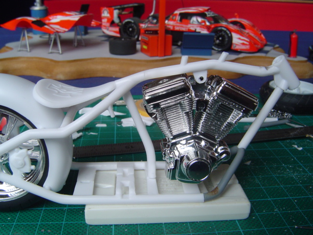 --MOTO RM 1/12 custom full transfo --(FINI LE 12/07/08) Dsc03234