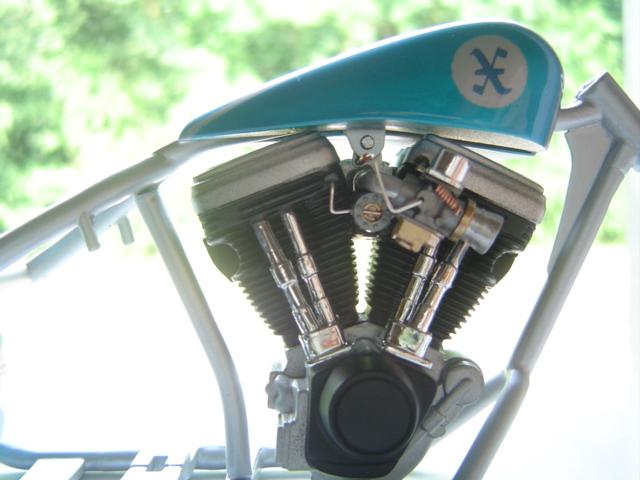 --MOTO RM 1/12 custom full transfo --(FINI LE 12/07/08) - Page 2 Dsc03413