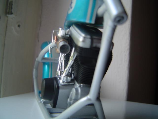 --MOTO RM 1/12 custom full transfo --(FINI LE 12/07/08) - Page 2 Dsc03414