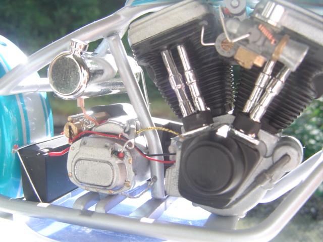 --MOTO RM 1/12 custom full transfo --(FINI LE 12/07/08) - Page 2 Dsc03418