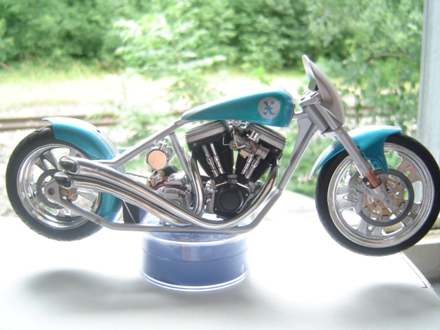 --MOTO RM 1/12 custom full transfo --(FINI LE 12/07/08) - Page 2 Dsc03423