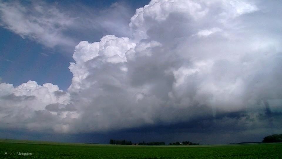 Presqu-orages du 7 juin - belle balade champenoise ! Dans_l10