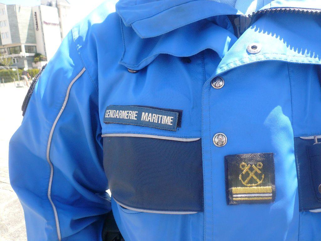 [ Divers Gendarmerie Maritime ] P613 Charente une VCSM de la Gendarmerie Maritime 232