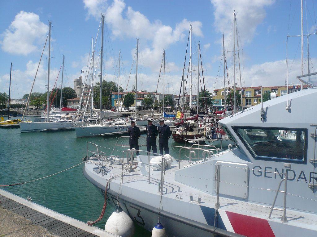 [ Divers Gendarmerie Maritime ] P613 Charente une VCSM de la Gendarmerie Maritime 622