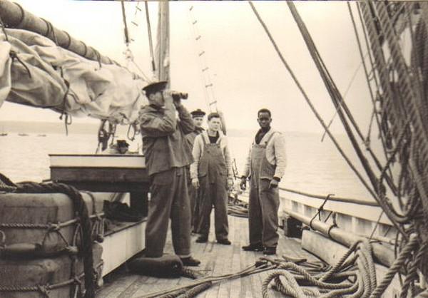 Le DOLPHIN, ex-voilier école, prédécesseur du MUTIN Dolive11