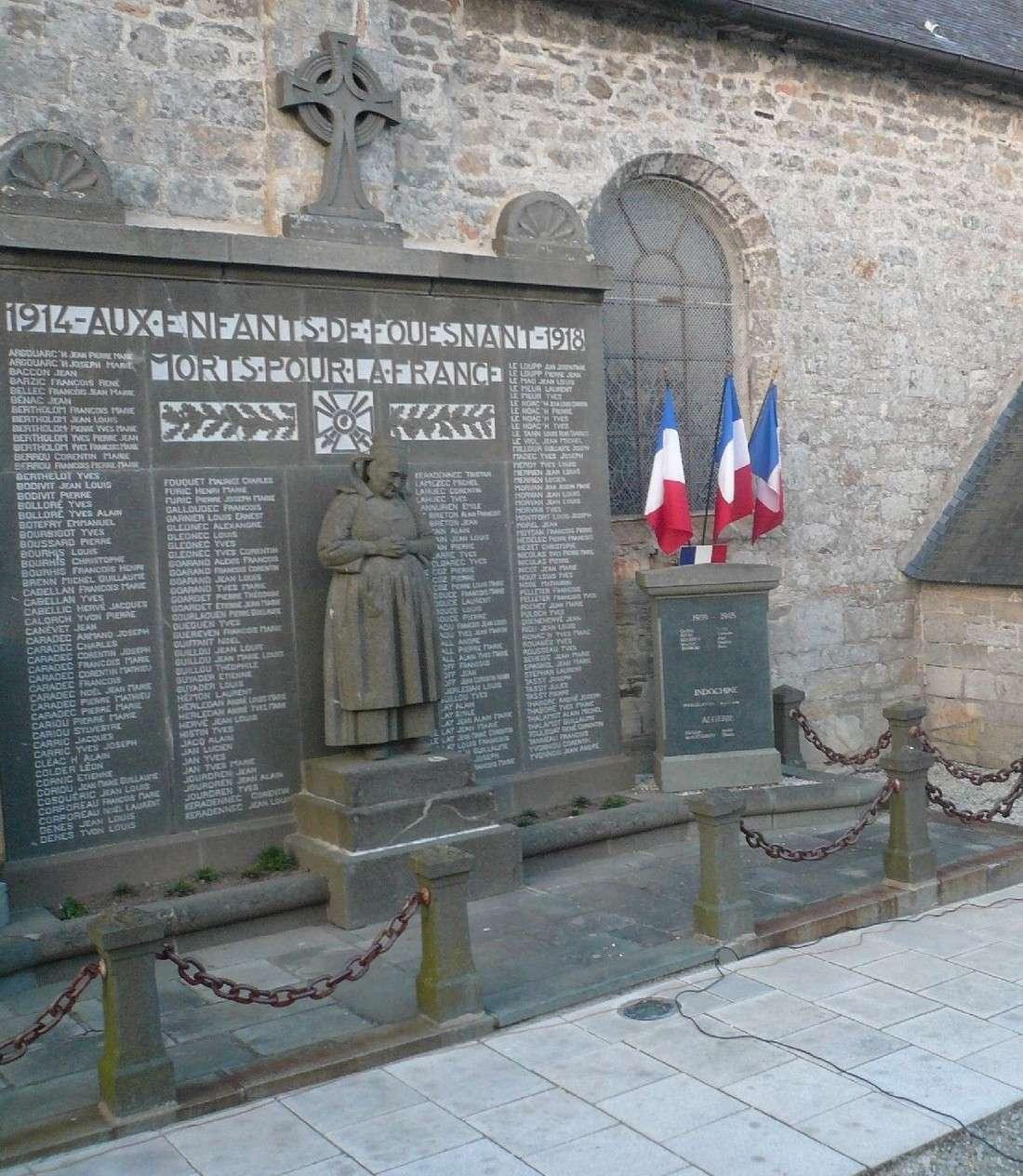 [Histoires et Histoire] Monuments aux morts originaux Français Tome 1 P1080910