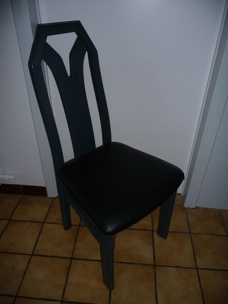 comment vieillissent les meubles relookés ? Chaise11