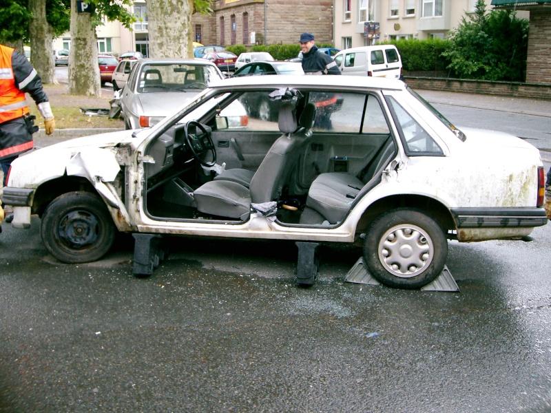 Véhicule de secours routier Ouvert10