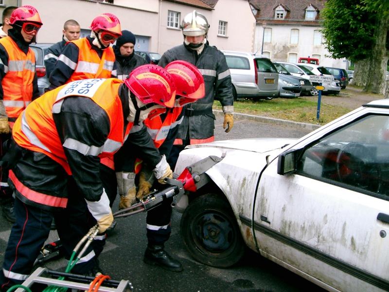 Véhicule de secours routier Porte_12