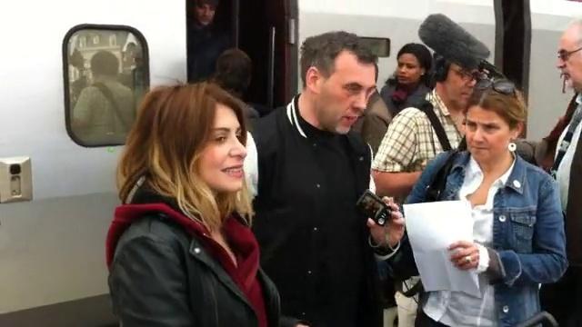 Captures L'Avenir << Amel Bent, Julie Zenatti et les autres aux Guillemins pour les Restos >> 30/04/2012  Vlcs1261