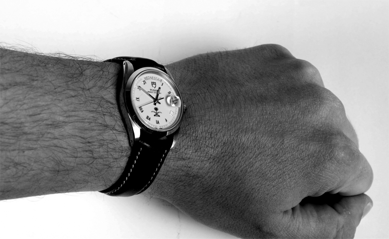 Rolex dials arabic logo Day610