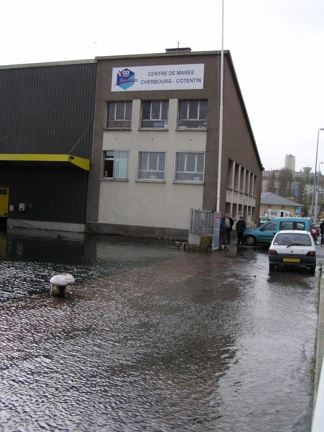 [Activité des ports hors Marine] LE PORT DE CHERBOURG - Page 7 Inonda14