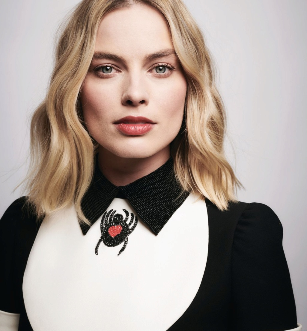 Margot Robbie Dp05xz10