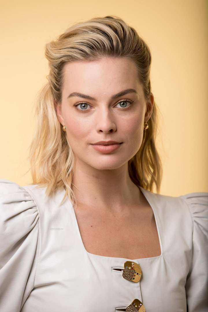 Margot Robbie Dt_6pd11