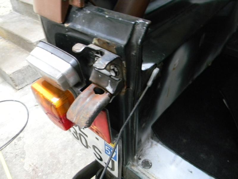 Soudure carrosserie fixation Hayon roue de secours Dscn0618