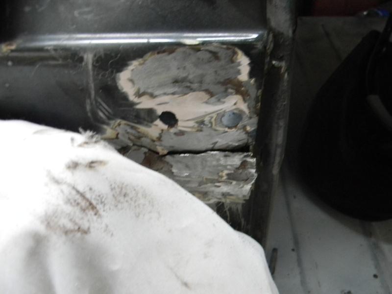Soudure carrosserie fixation Hayon roue de secours Dscn0620