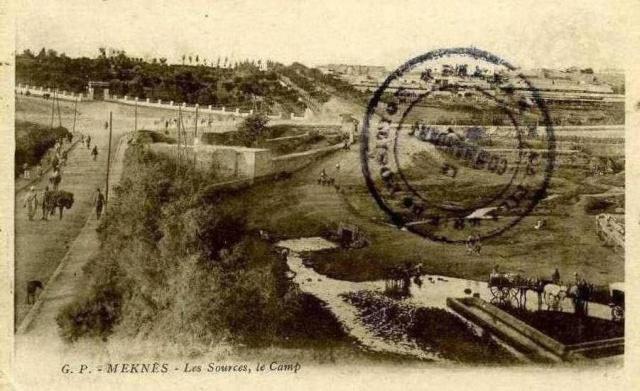 Meknès, ville de garnisons - Page 18 Meknas40