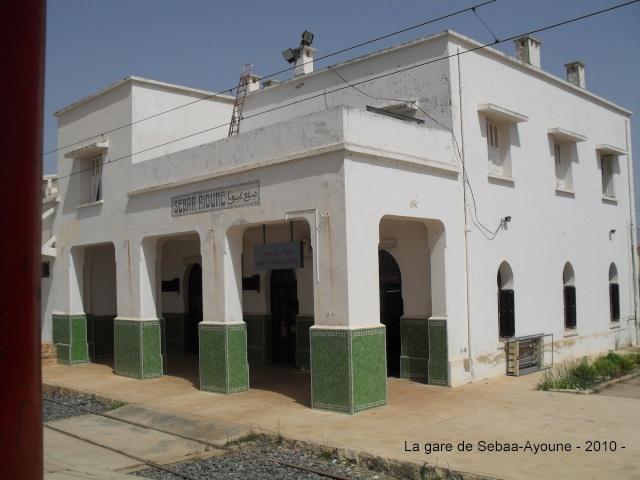 Transports CFM, Gares et Affiches du Maroc - Page 23 Sdc12110