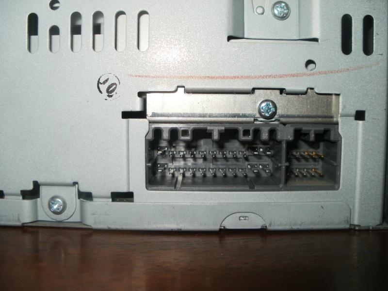 Installation d'un lecteur DVD - GPS  P8270212