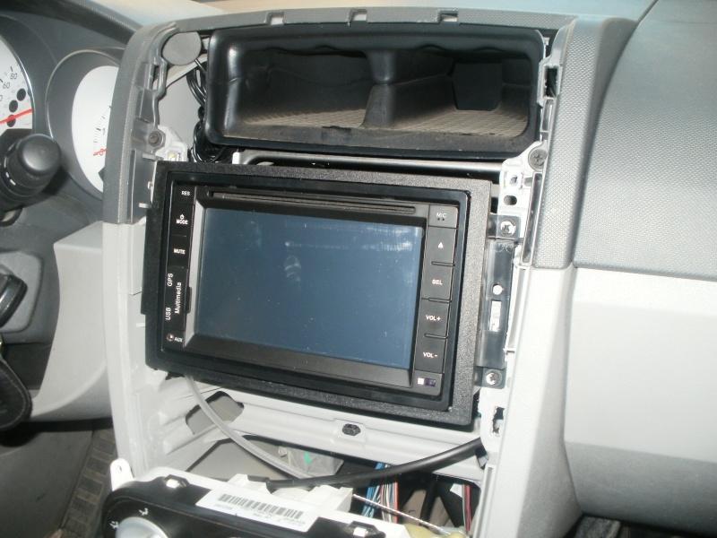 Installation d'un lecteur DVD - GPS  P8270214