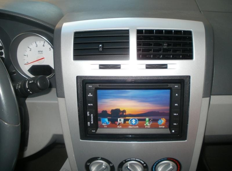 Installation d'un lecteur DVD - GPS  P8270215