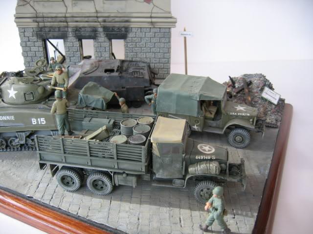 Sherman M4A1 Italeri - GMC CCKW 353 Heller - Dodge M6 Italeri - Jagdpanzer IV L/70 Italeri tout au 1/35e Allema11