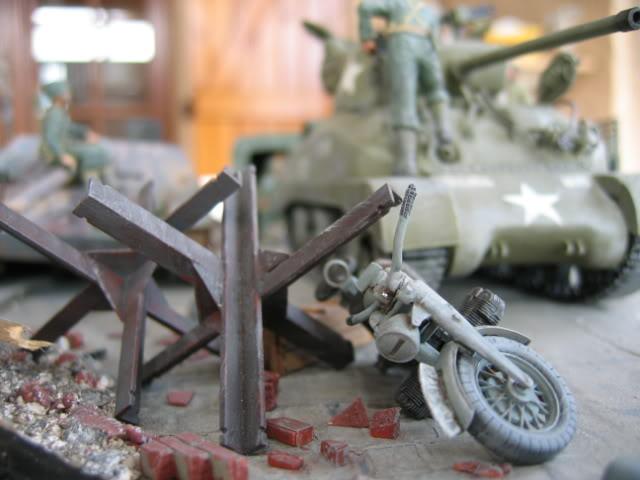 Sherman M4A1 Italeri - GMC CCKW 353 Heller - Dodge M6 Italeri - Jagdpanzer IV L/70 Italeri tout au 1/35e Allema13
