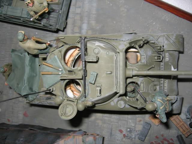 Sherman M4A1 Italeri - GMC CCKW 353 Heller - Dodge M6 Italeri - Jagdpanzer IV L/70 Italeri tout au 1/35e Allema15