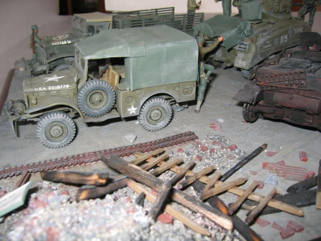 Sherman M4A1 Italeri - GMC CCKW 353 Heller - Dodge M6 Italeri - Jagdpanzer IV L/70 Italeri tout au 1/35e Allema17